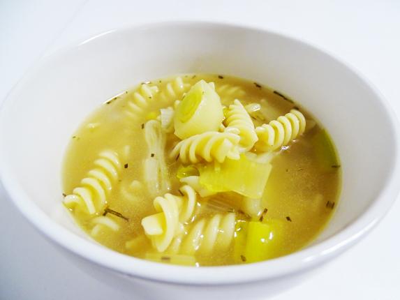 15-sopa de pasta i porro amb romaní